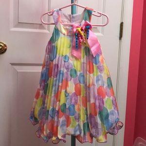 Beautiful sleeveless dress size 2T worn once